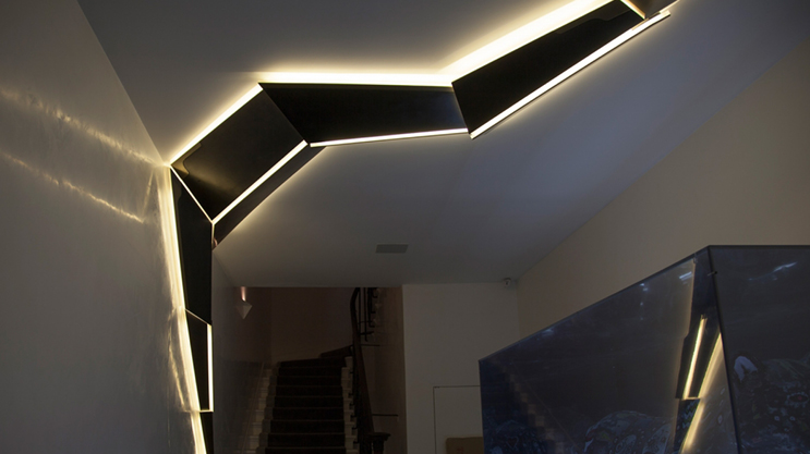 La tira LED FlexOne500 Professional se puede cortar a cada LED (1 cm) y, por lo tanto, se puede utilizar en muchos proyectos en los que otras bandas son demasiado largas.