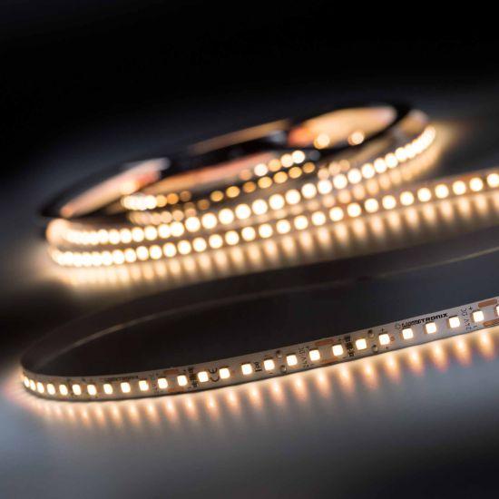 LumiFlex 700 Pro Nichia Tira LED Flexibile blanco cálido CRI90 2700K 11400lm 24V 140 LED/m carrete de 5m (2280lm/m 19.2W/m)