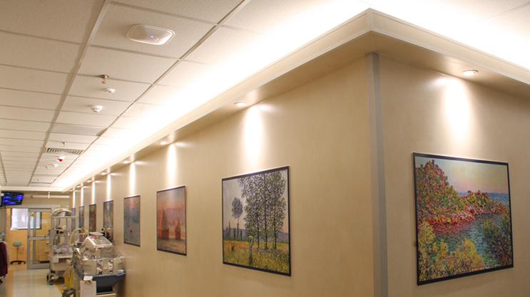 Proyecto con tiras LED Lumiflex: Iluminación de la sala del Hospital de Niños, las 24 horas del día, los 7 días de la semana